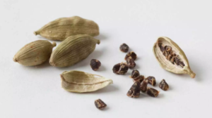 Cardamom may be helpful for people with high blood pressure. (All about Cardamon by Faim d'épices - Marrakech)